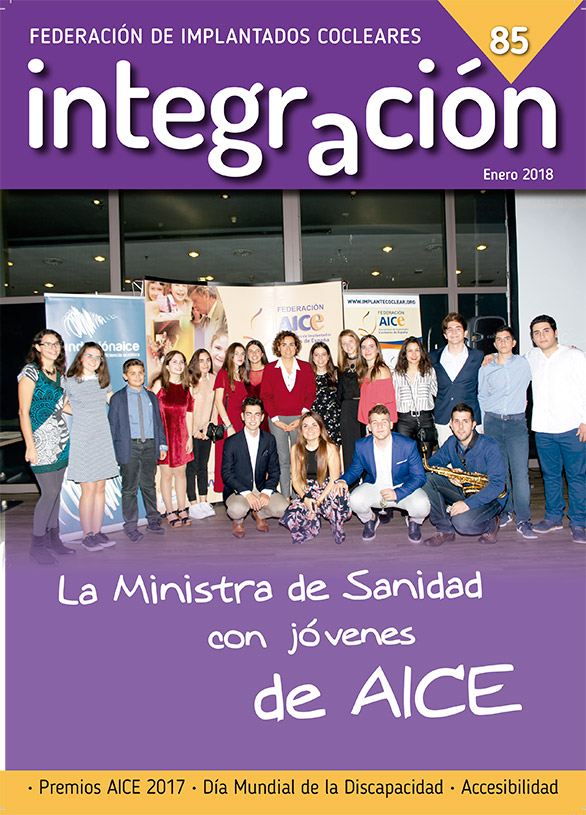 Jóvenes de la Federación AICE con la Ministra de Sanidad